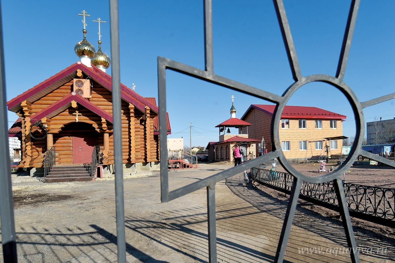 Храм святого князя Владимира открылся в Коммунаре в 2012 году