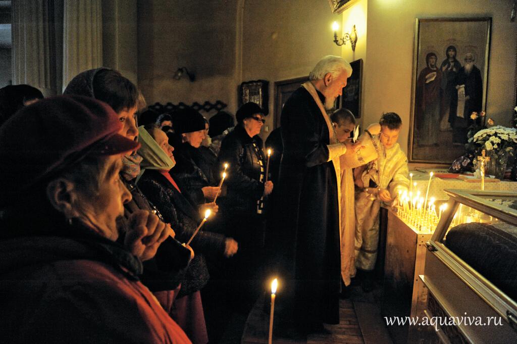 В старинном Екатерининском храме особая, теплая атмосфера