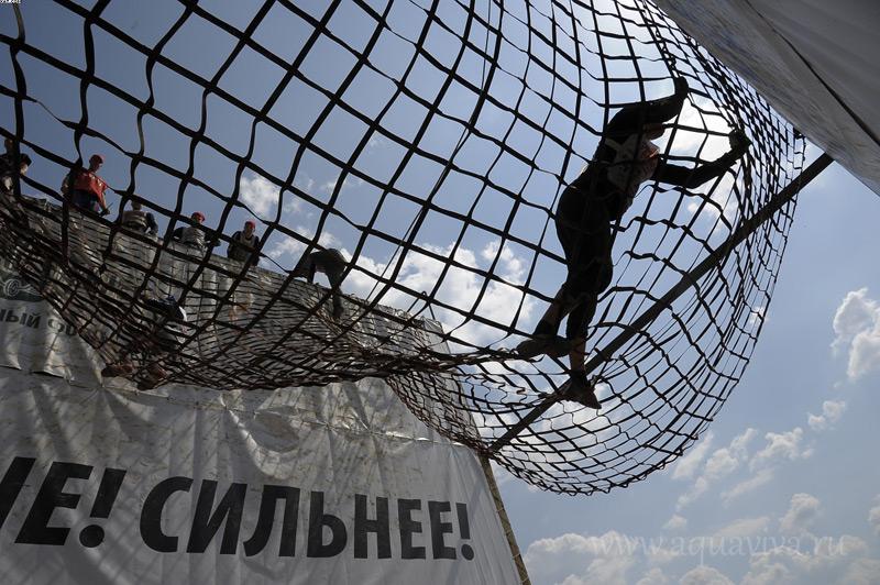 Пройти все препятствия «Гонки героев» может только крепкий телом идухом человек