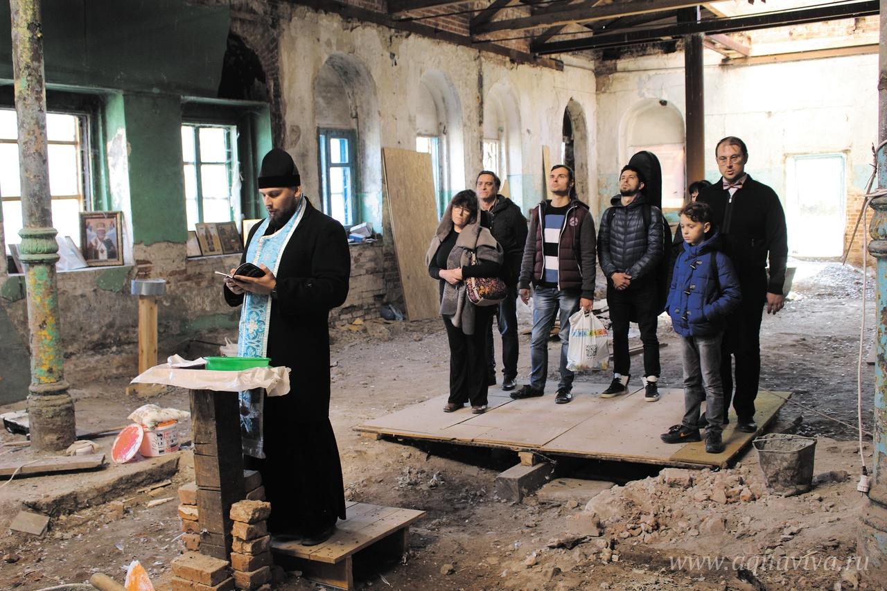 Алла Арановская на молебне в храме святой мученицы Аллы Готфской в селе Старая Потловка