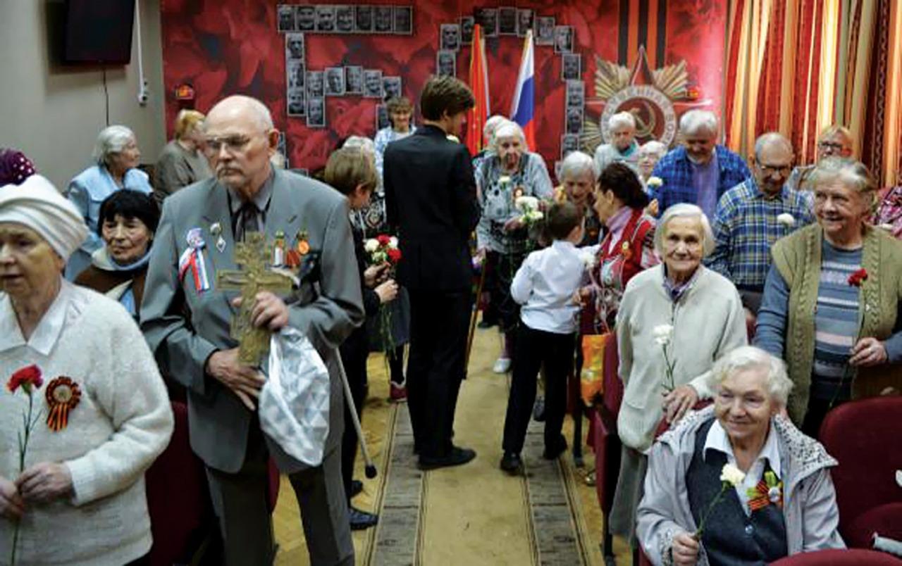 Постояльцам Дома ветеранов важно не только духовное окормление, но и простое человеческое внимание