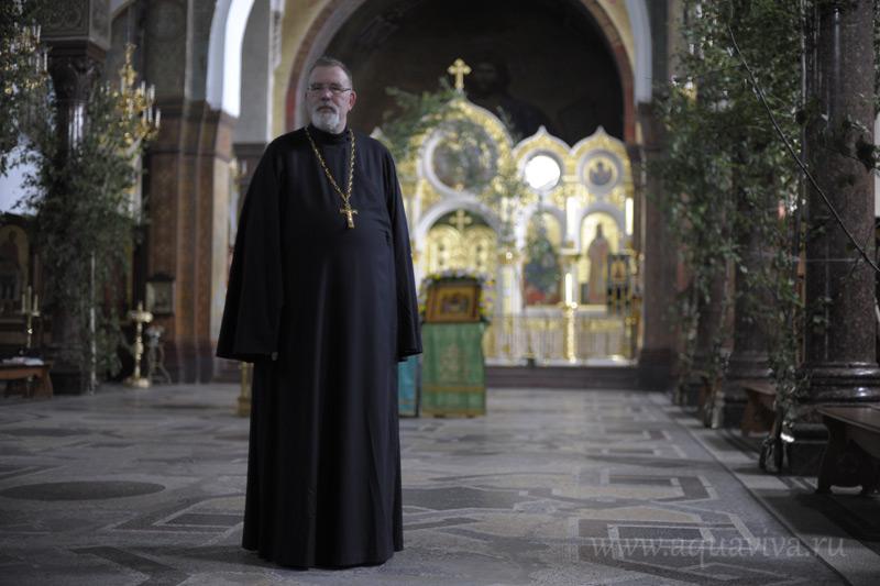 Отец Константин Симон