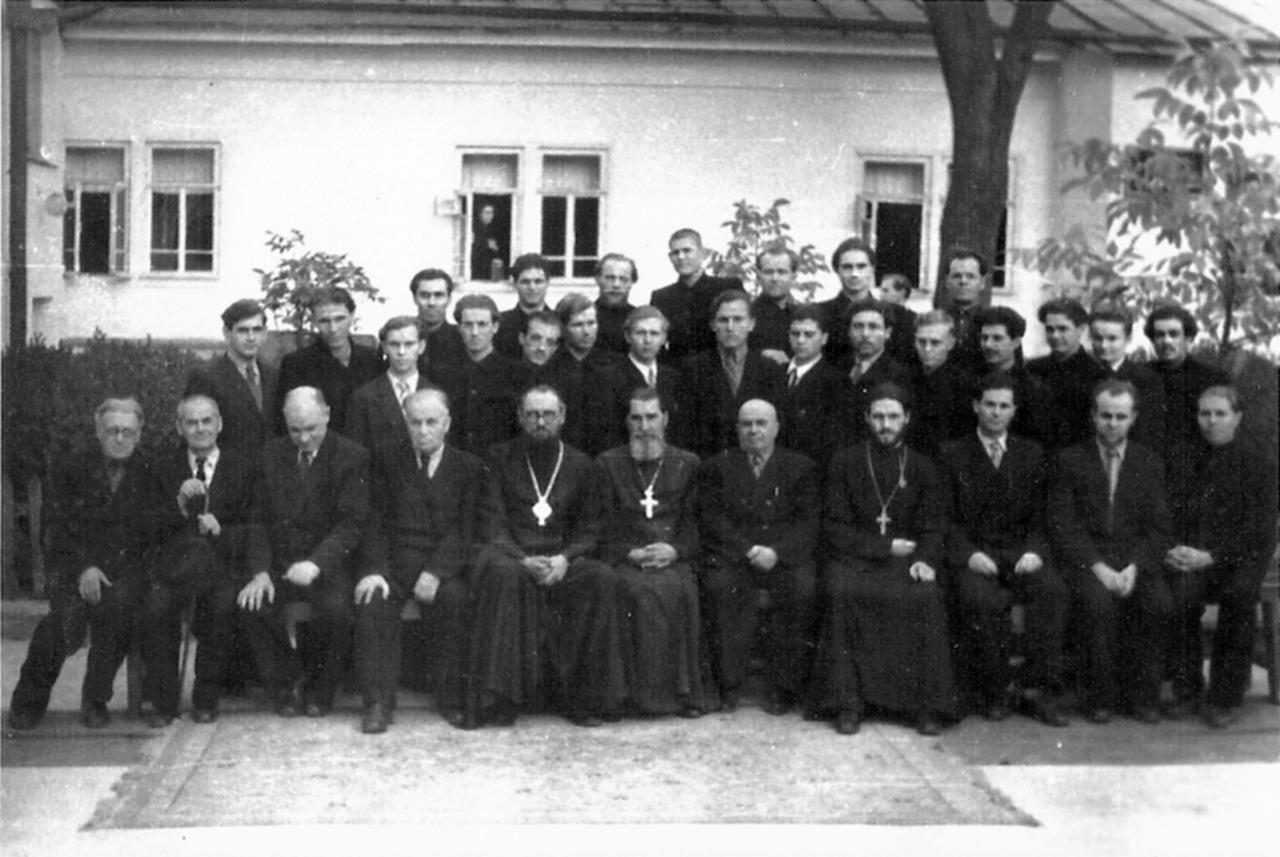 4-й курс Ставропольской духовной семинарии. Весна 1960 года