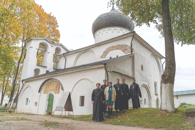 Хор духовенства Санкт-Петербургской митрополии и Ирина Герасимова в Мирожском монастыре