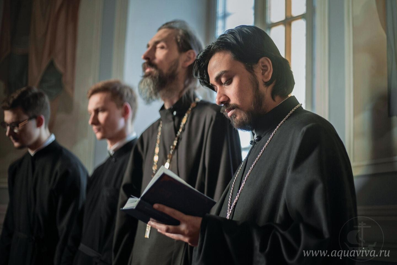 В этом году отец Климент окончил бакалавриат СПбДА