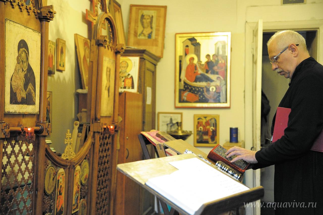 Протоиерей Виталий Головатенко в храме Рождества Пресвятой Богородицы при Санкт-Петербургской консерватории
