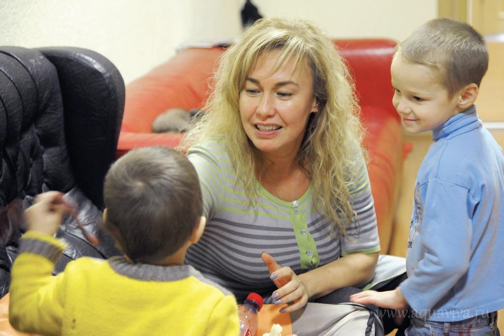 Заместитель директора приюта «Благодать» Елена Павлова большинство своих подопечных знает с детства.