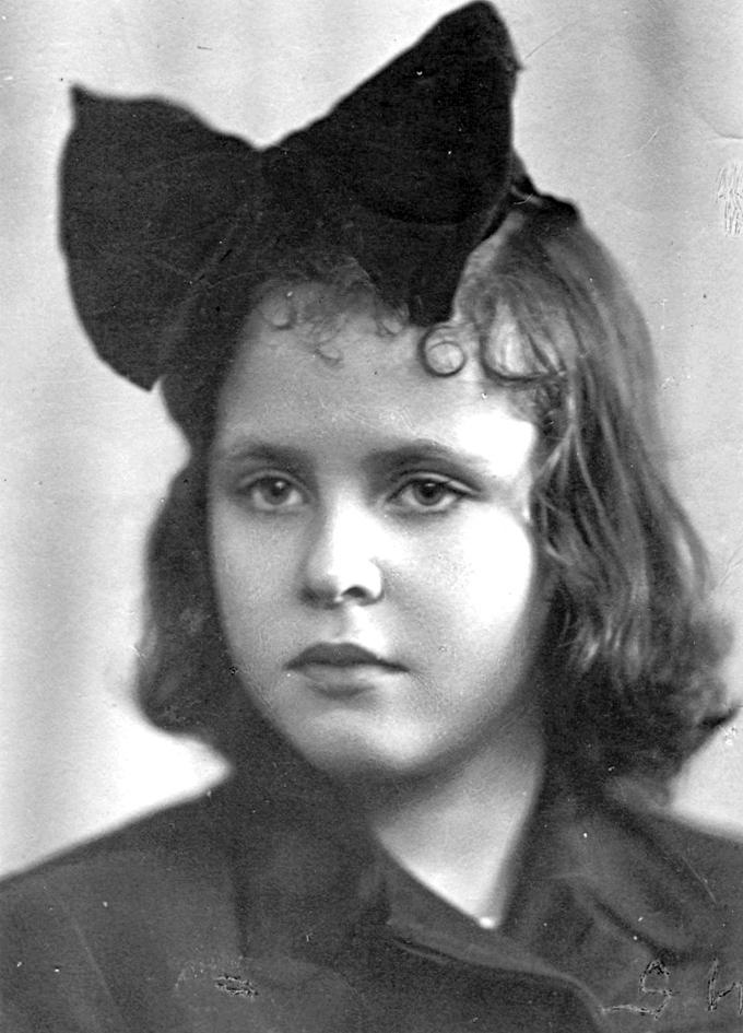 Ольга Даниловна Набоко в детстве