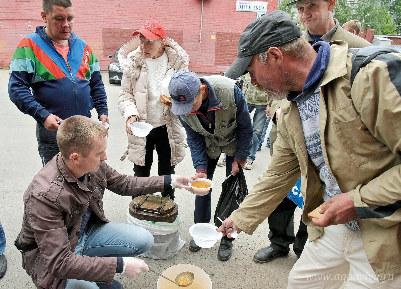 Волонтеры, сменяя друг друга, выходят на дежурство ежедневно