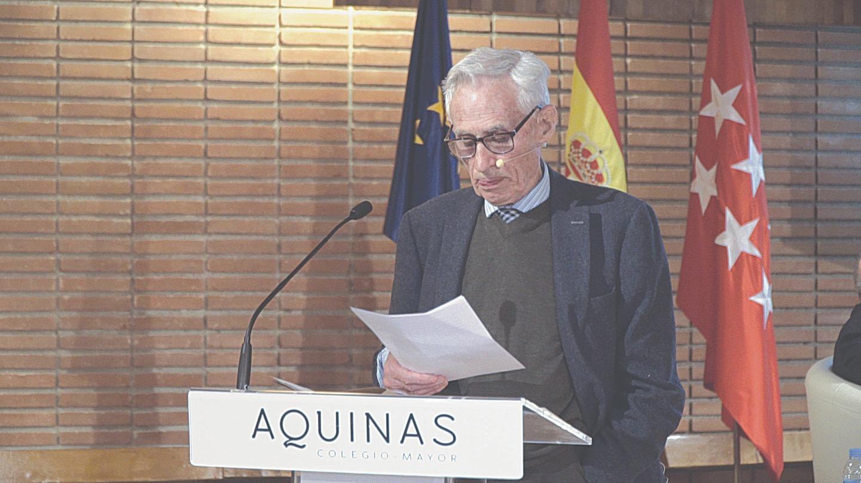 Философ Ричард Суинберн во время презентации испанского перевода своей книги «Существование Бога» в колледже Фомы Аквинского в Мадриде. 5 марта 2019 года