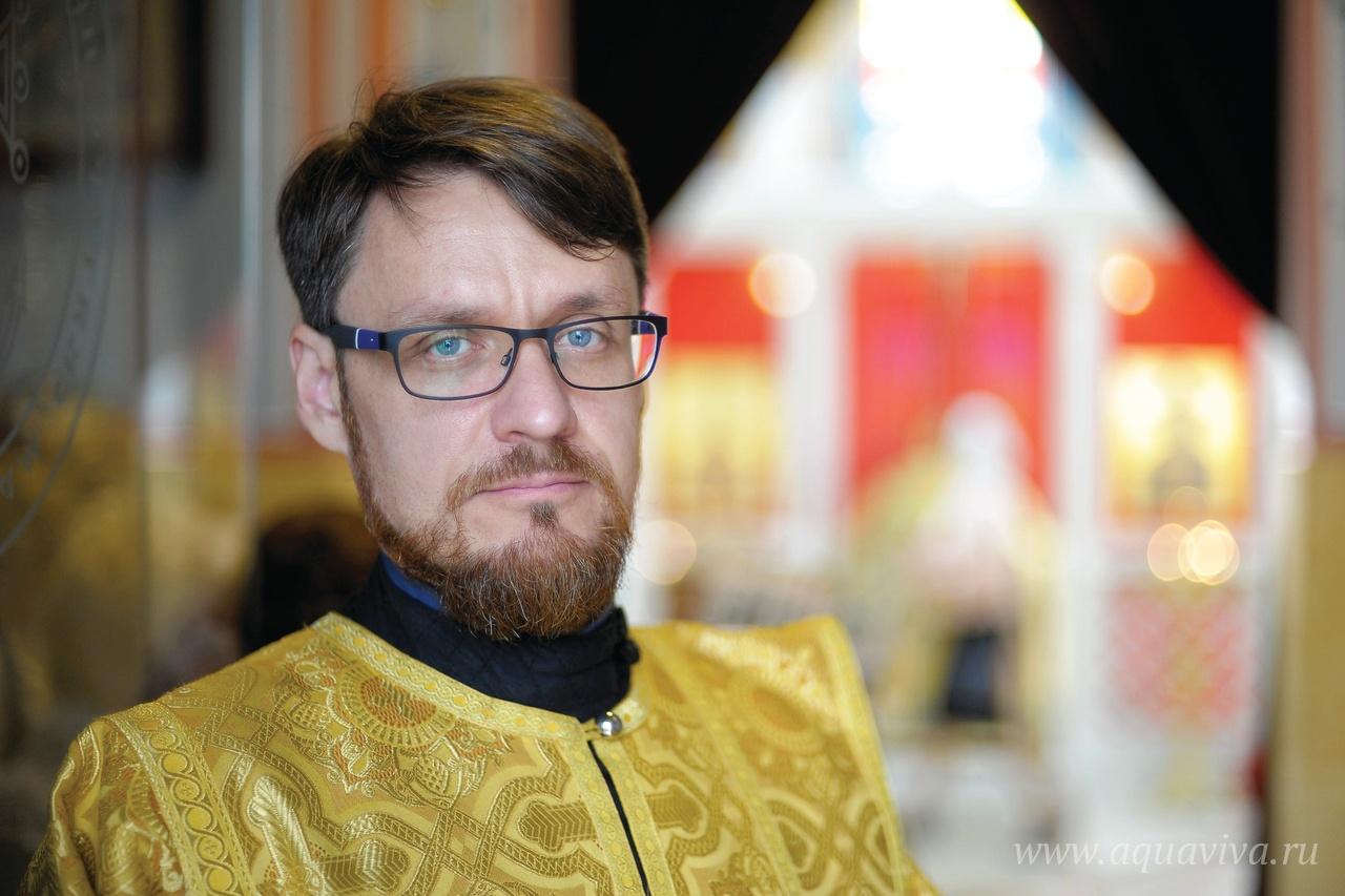 Дьякону Александру Стебеневу пригождаются в служении как профессия врача, так и детское увлечение морской темой