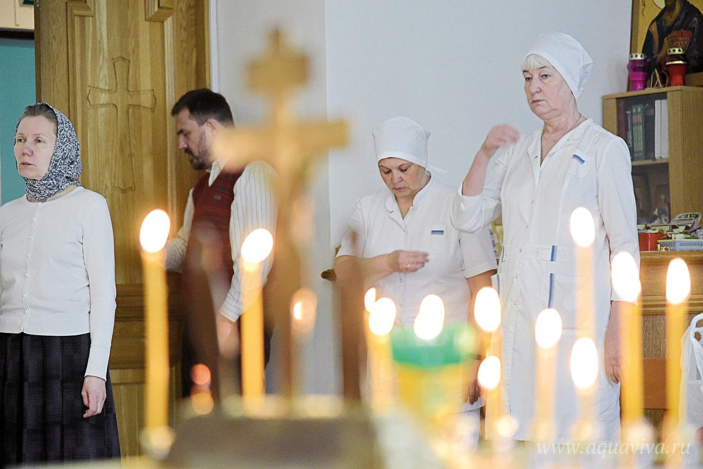 Богослужения в храме посещает и медперсонал академии