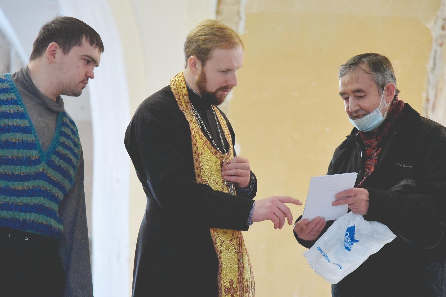 Руководит центром иерей Антоний Заровский