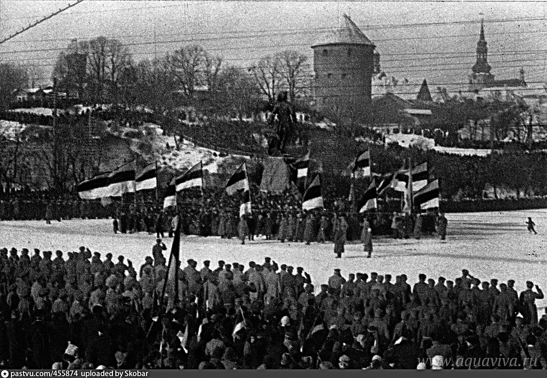 Первая годовщина провозглашения Эстонской республики на площади Святого Петра в Таллине. 24 февраля 1919 года