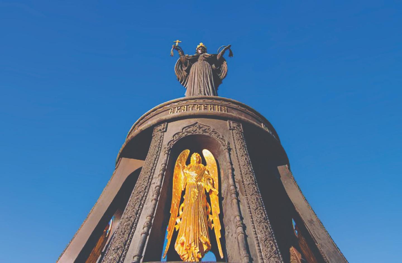 Памятник святой Великомученице Екатерине в Краснодаре. Скульпторы: Виталий Шанов и Дарья Успенская