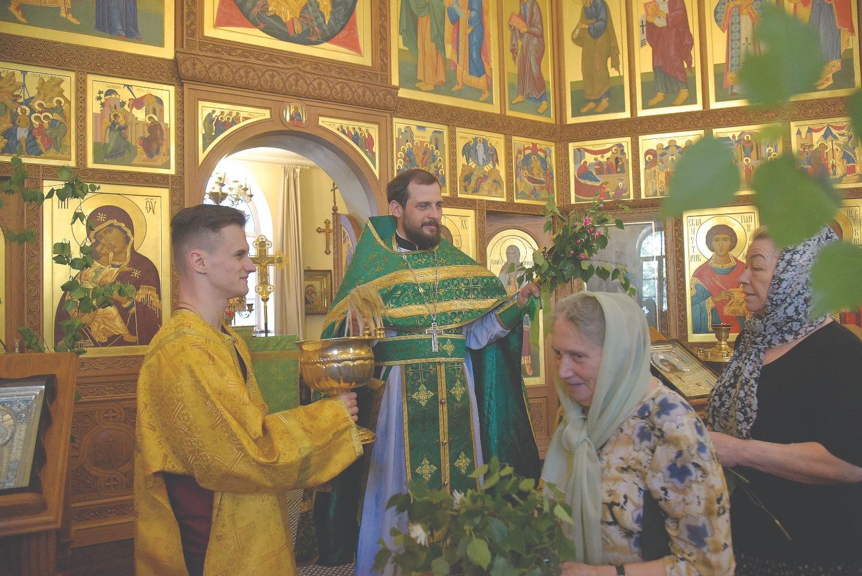 Иерей Феодор Кузнецов сохраняет традиции, заведенные прежним настоятелем протоиереем Александром Григорьевым