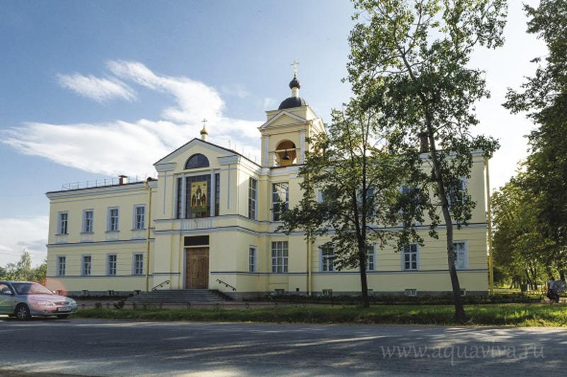 Покровская богадельня при храме святого преподобномученика Андрея Критского в поселке Сергиево