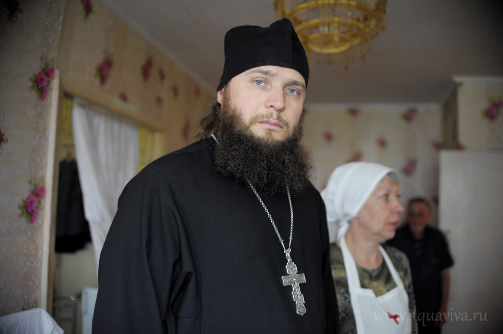 С приходом иерея Тимофея Смирнова в Кингисеппе закипела социальная работа