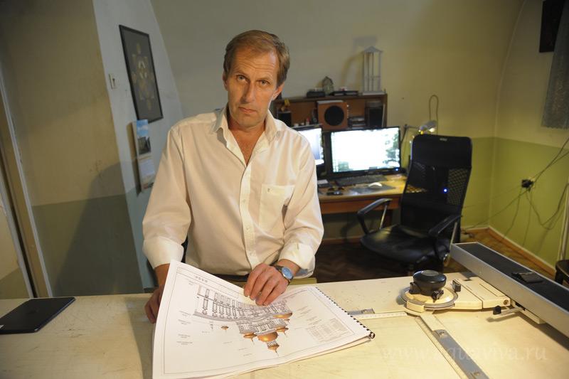 Архитектор Юрий Викторович Кирс считает, что собору нужно позолотить купола