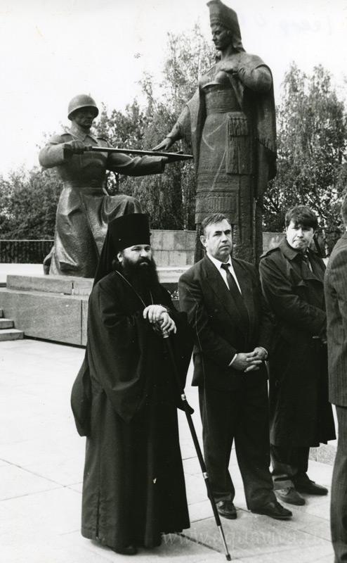 На Советской (Соборной) площади Саранска в день Победы 9 мая.