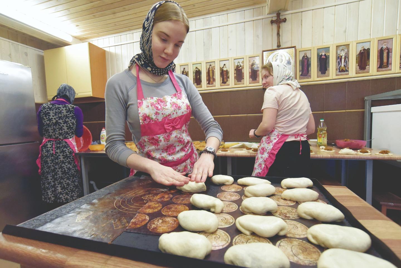 """Пироги, приготовленные в женском центре, пойдут на стол всем воспитанникам """"Обители исцеления"""""""