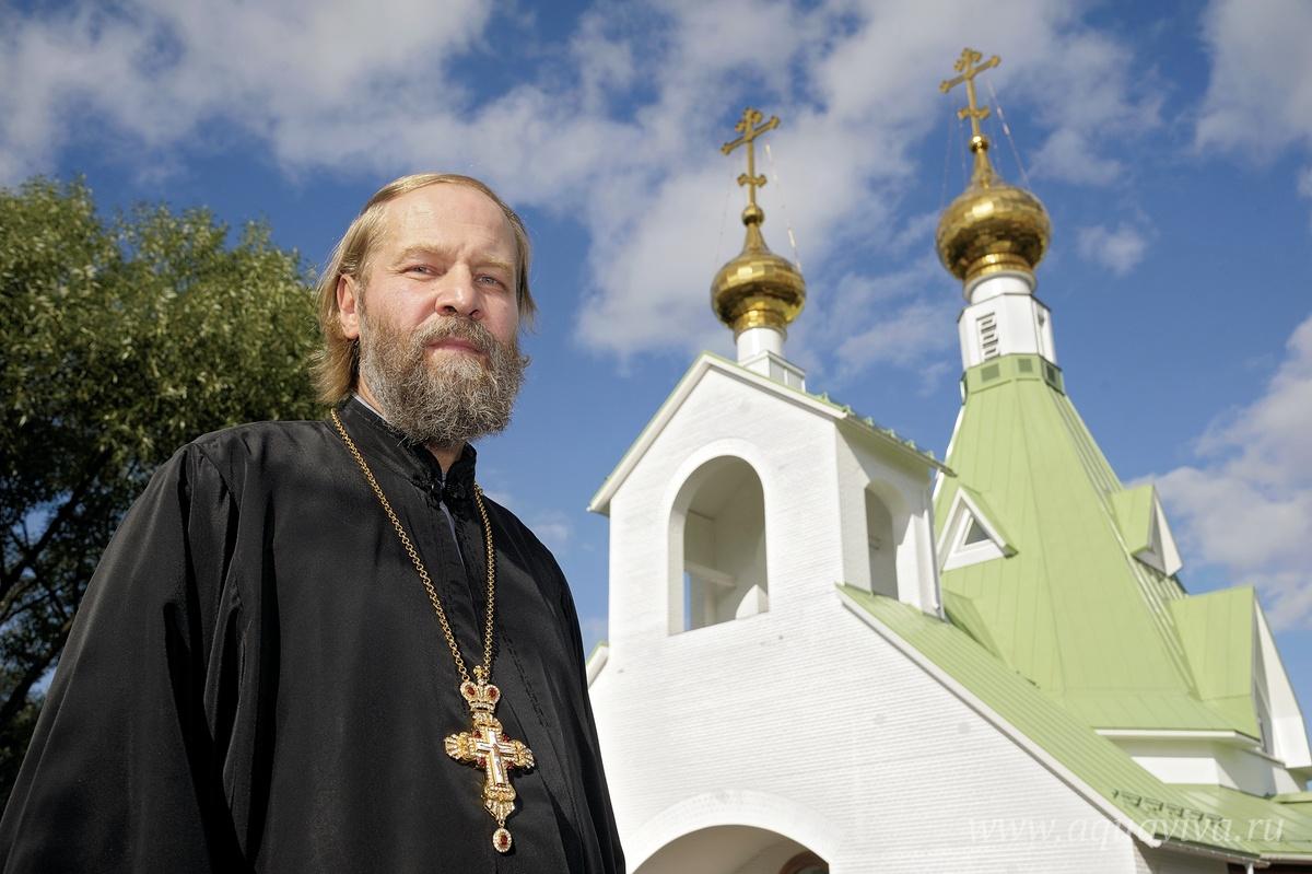 Настоятель прихода протоиерей Валерий Швецов пришел в Церковь в поисках ответов на вопросы об устройстве мира