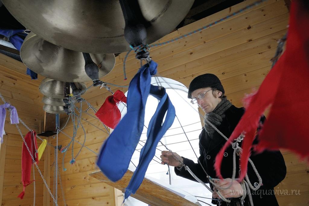 Звонарь Арсений Афанасенко в обычной жизни преподает в университете аэрокосмического приборостроения