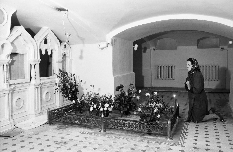Интерьер храма-усыпальницы святого праведного Иоанна Кронштадтского. Этап восстановительных рбот. 1990-е годы