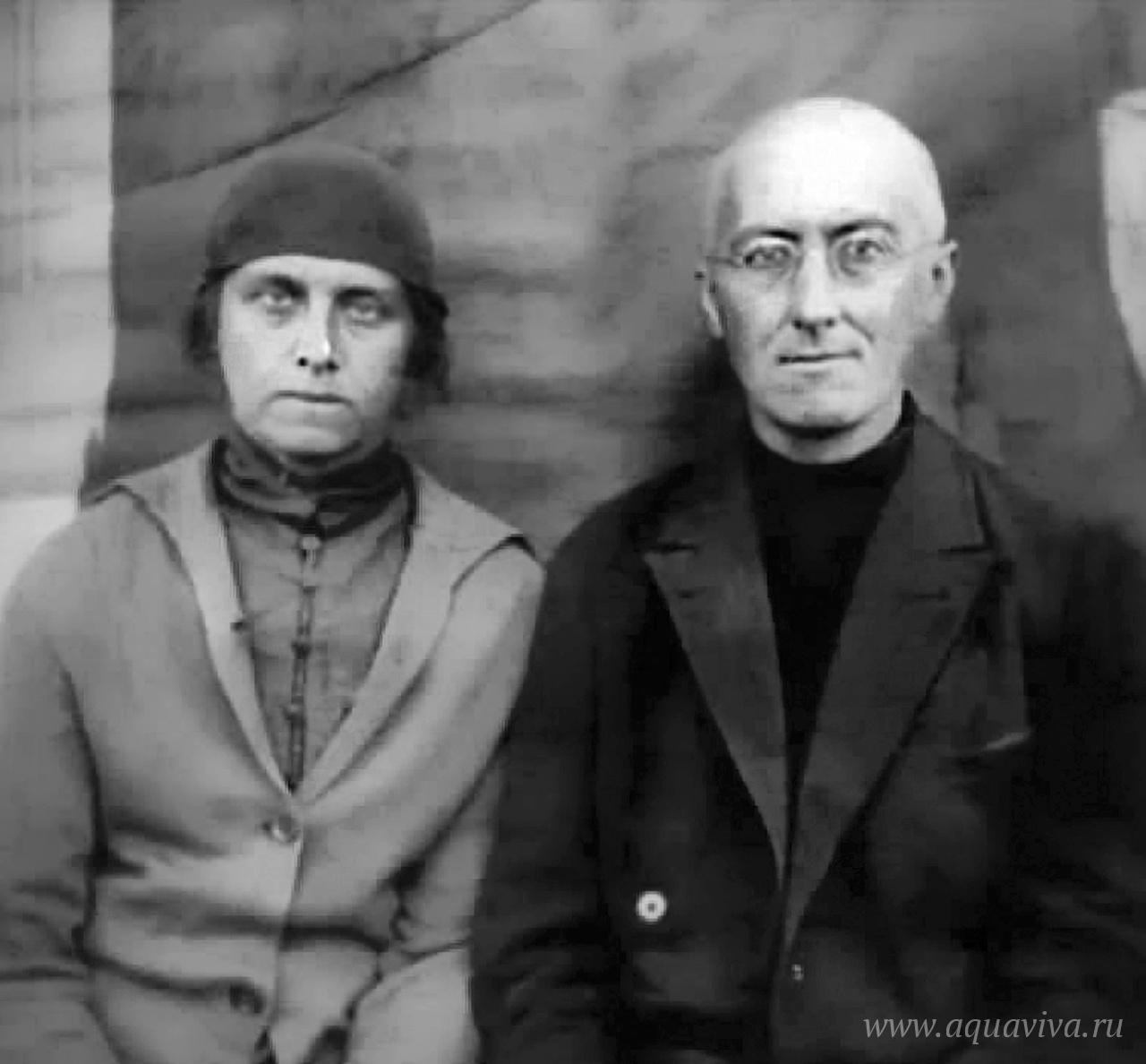 А.Ф. Лосев и его супруга Валентина Михайловна на Беломорканале. 1932–1933 годы. Валентина Лосева (1897–1954) — известный астроном. В 1920-е годы член имяславческого кружка. В 1929 году вместе с мужем приняла монашество с именем Афанасия. В 1931–1933 годах отбывала срок в Сиблаге и Свирлаге