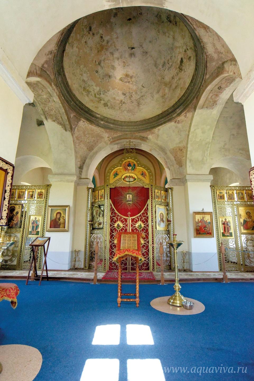 Интерьер надвратной Екатерининской церкви