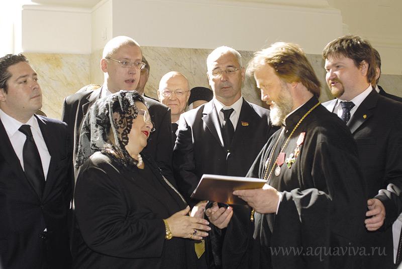 Посещение Троицкого храма в Красном Селе делегацией членов Дома Романовых. 2011 год