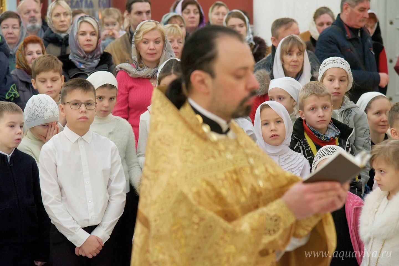 Священник Игорь Казаков ведет на приходе воскресную школу для взрослых