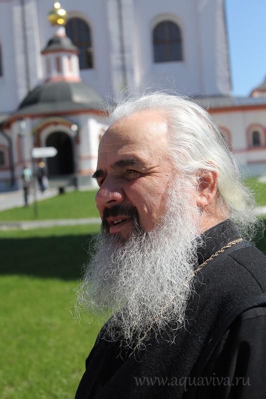 Епископ Боровичский и Пестовский Ефрем (Барбинягра) до назначения на кафедру в Боровичах способствовал возрождению Иверского монастыря на Валдае