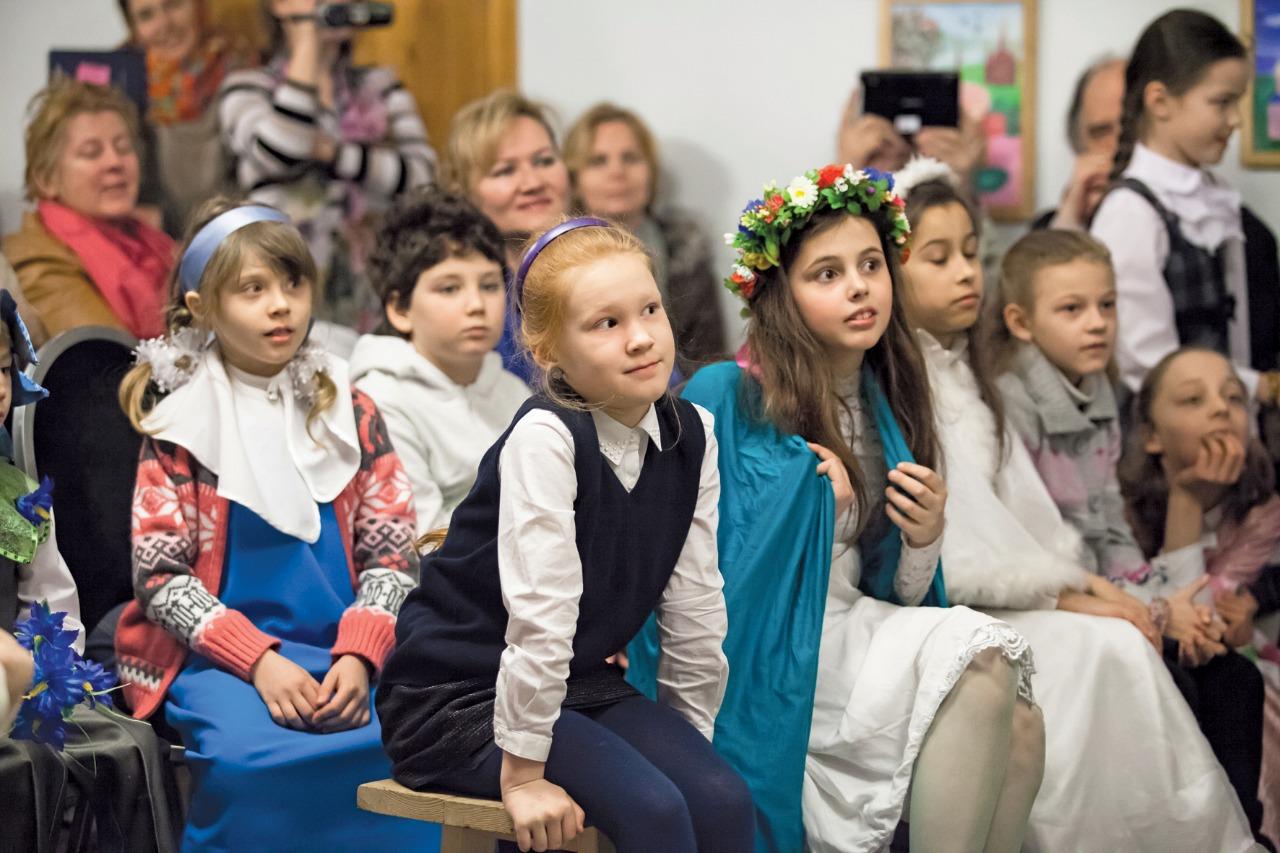 Детская воскресная школа Казанского собора славится яркими пасхальными и рождественскими праздниками