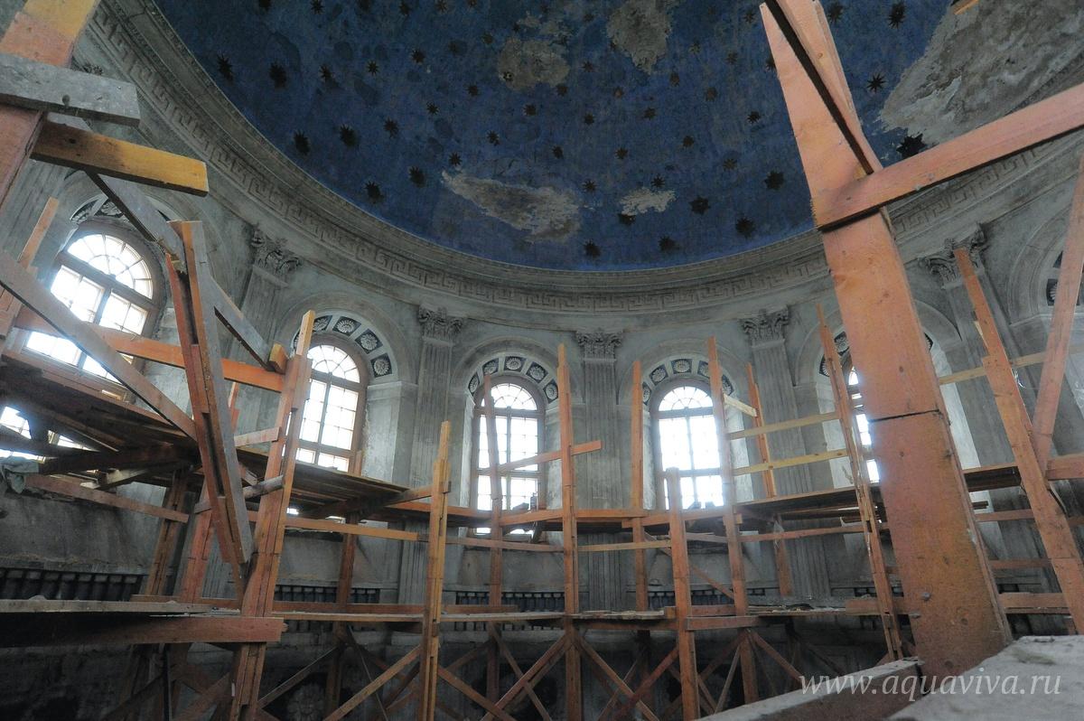 Основной храм в ожидании реконструкции
