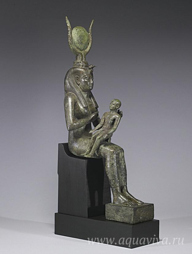 Исида, кормящая Гора. Египет. 680–640 годы до Р. Х.