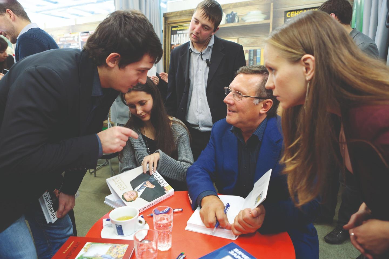 Презентация книги Вячеслава Заренкова «Эталон успеха» в книжном магазине «Буквоед». 17 ноября 2012 года