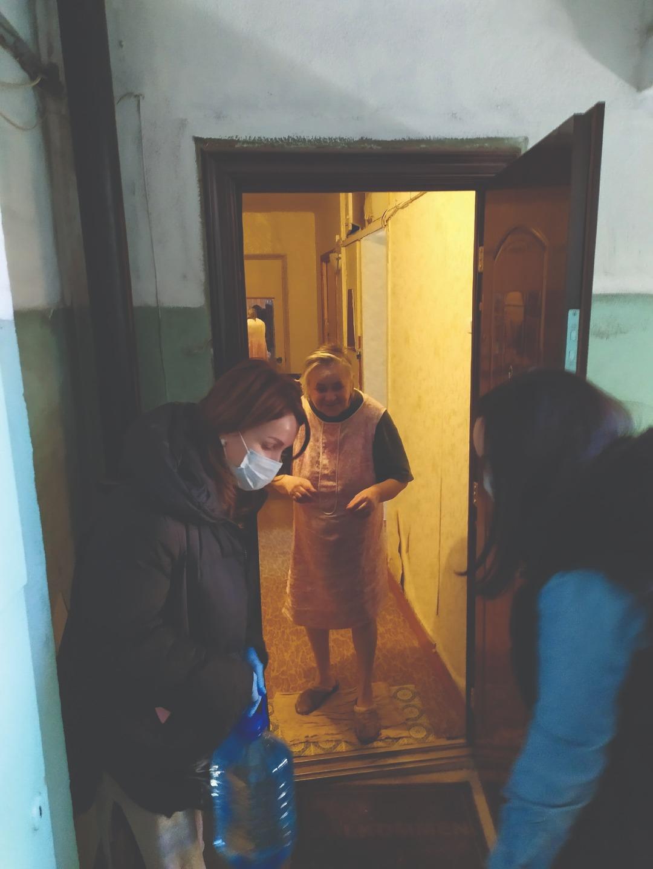Православная молодежь Выборга на время карантина взяла шефство над пожилыми прихожанами