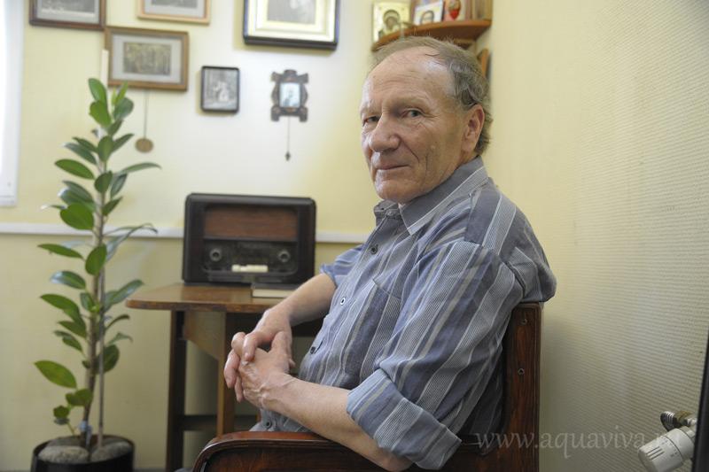 Михаил Романович Гашков следит за чистотой