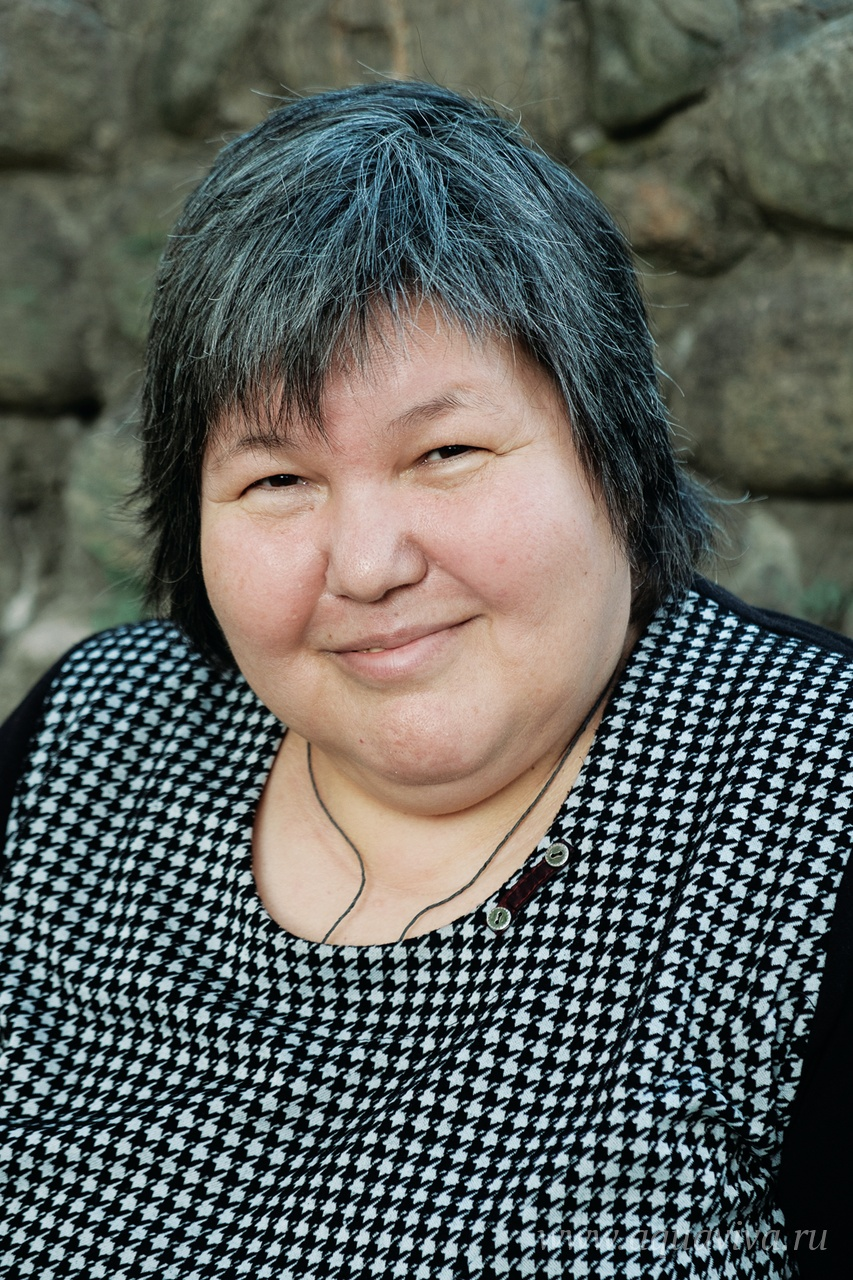 Работу волонтеров, кормящих бездомных, координирует Ольга Павлова
