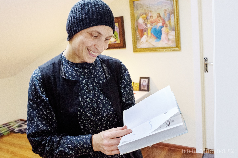 Ольга Адамович, старшая сестра в «Дома трудолюбия», любит, когда в Вехно приезжают дети