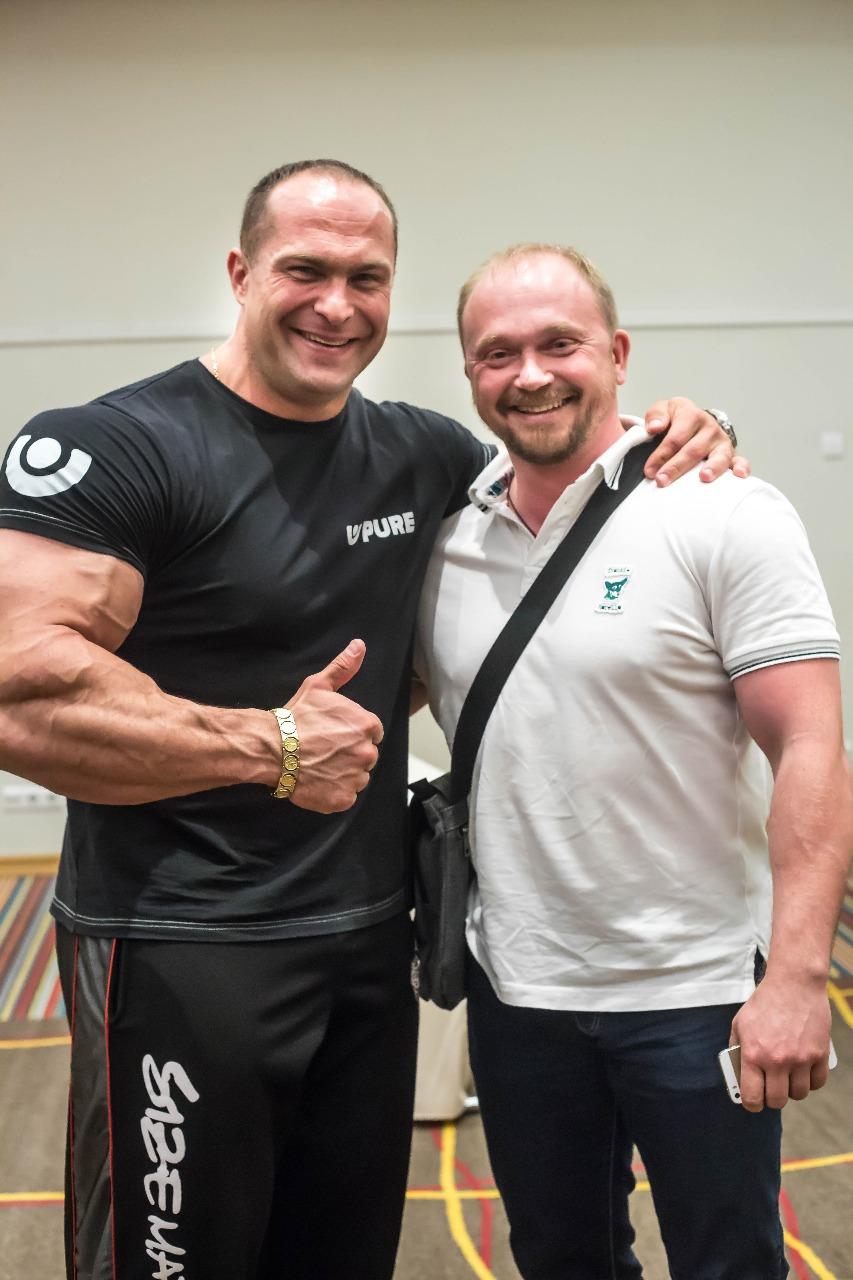 Александр Федоров с иереем Александром Гавриловым, мастером спорта по самбо