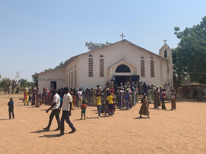 После богослужения в храме Двенадцати апостолов