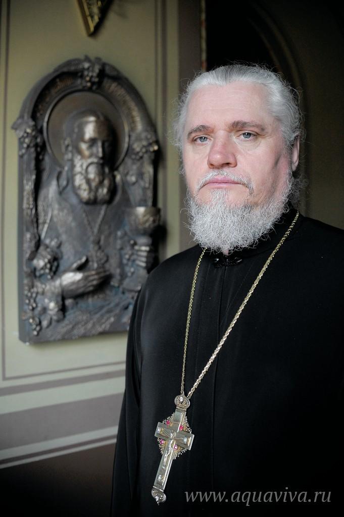 Протоиерей Святослав Мельник руководит приходом без малого два десятка лет
