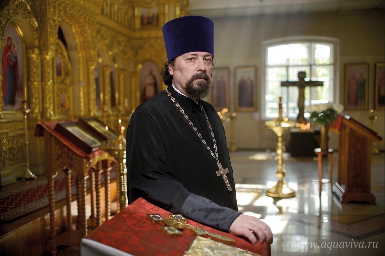 Старший священник храма иерей Михаил Невинский