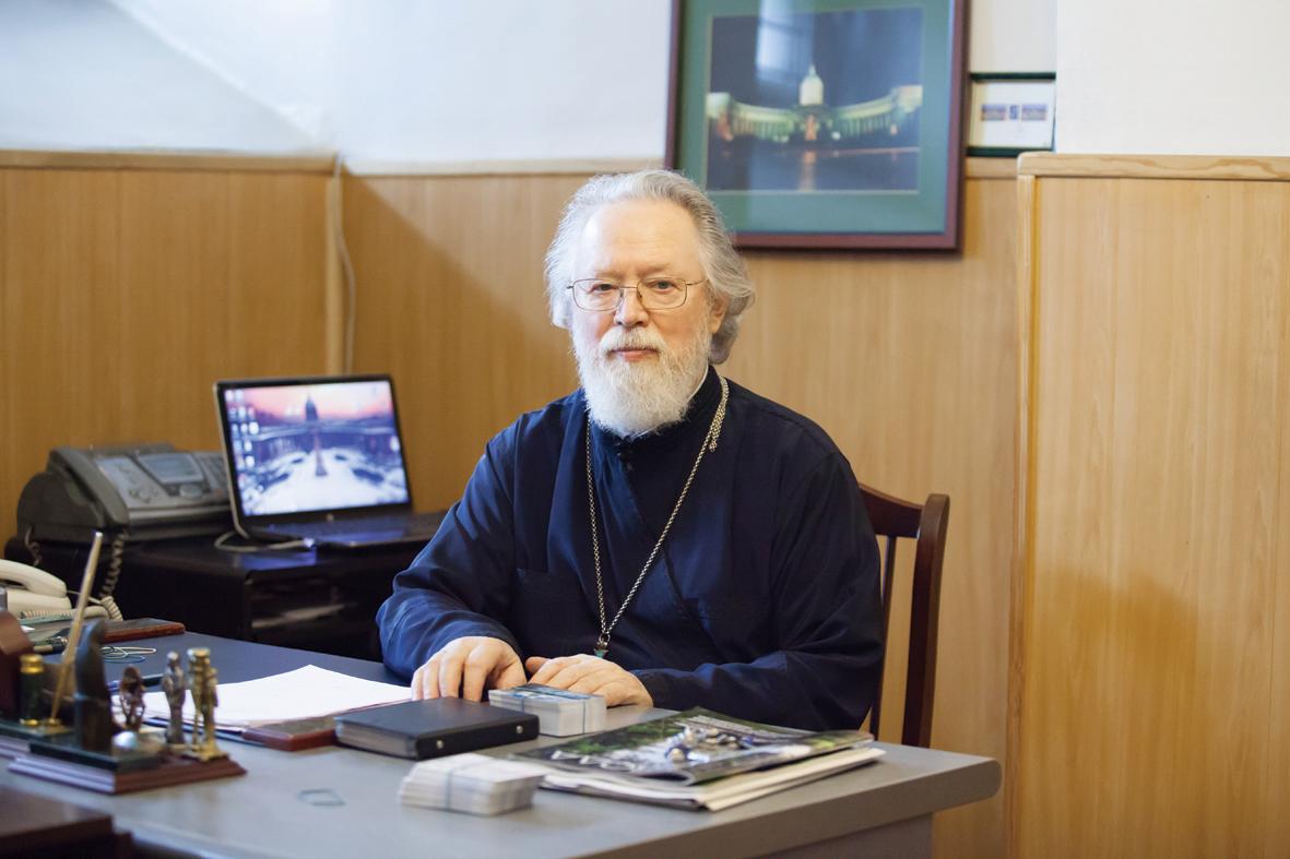 Настоятель Казанского кафедрального собора протоиерей Павел Красноцветов