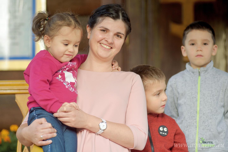 Елена Чебан с детьми