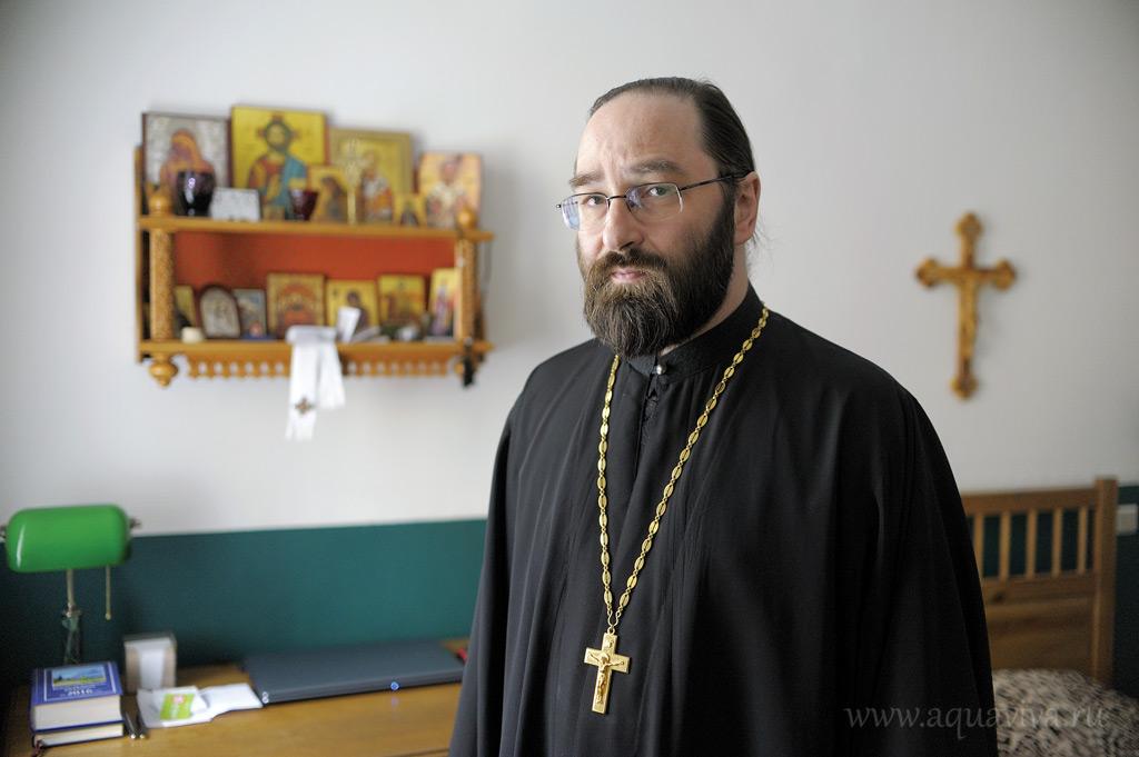 Настоятель подворья иеромонах Давид (Алексеев)