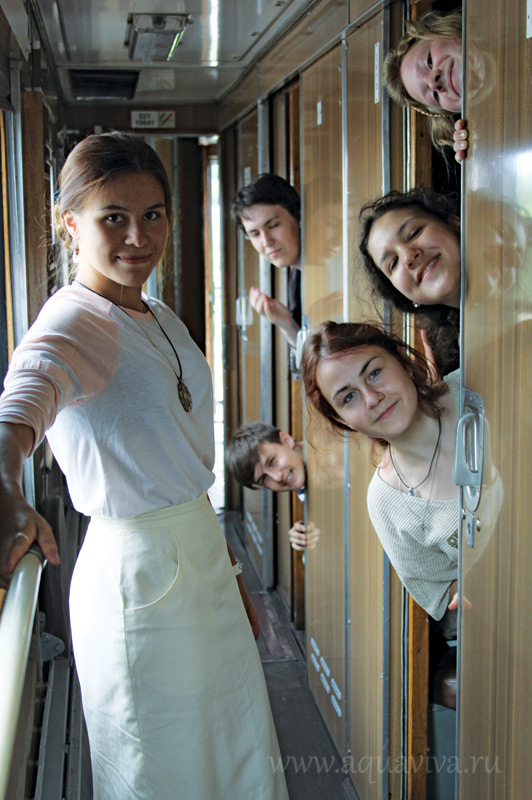 В Спасо-Яковлевском монастыре Ростова ребята жили в купейном вагоне, куда обычно селят паломников