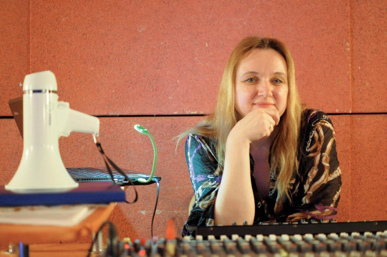 Юлия Чистякова и ее верный мегафон